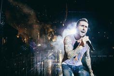 #MaroonVTour Amsterdam Adam Levine