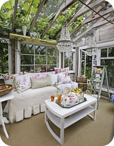 Great way to feel like your outdoors without any bugs! #3seasonroominspiration learn how to create your perfect sunroom at www.boardwalknorth.com/blog