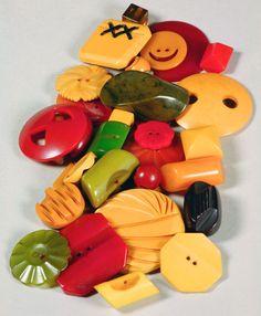 Bakelite Buttons -Catalin