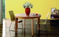Lovely little wooden, circular dining table. Mesa de Comedor Nórdica Retro : Tables by Paco Escrivá Muebles