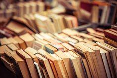 Existuje mnoho kníh, ktoré odložíme po prvých stranách, pretože nás vôbec nezaujímajú. Avšak sú knihy, ktoré myšlienkami nestarnú a možno čím sme starší, tým viac im rozumieme.