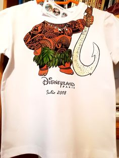Handmade by Do : Hand painted T-shirt Maui # Vaiana/ Tricou pictat . Maui, Greek Pattern, Ceramic Angels, Flower Stands, On October 3rd, Textiles, Hand Painted, T Shirt, Kids