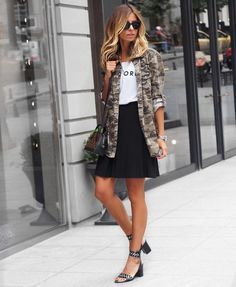 You'll find here are 60 trending outfits, lovely or sexy and specially targeted for fall weather. Enjoy !