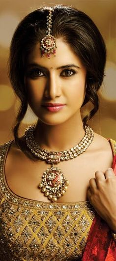 Indian Jewellery and Clothing: Wonderful bridal jewellery from Khurana Jewellers..      Aline for Indian Weddings