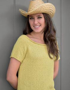 Вязаная спицами простая футболка Horizon с рукавом реглан от дизайнера Kim Hargreaves.