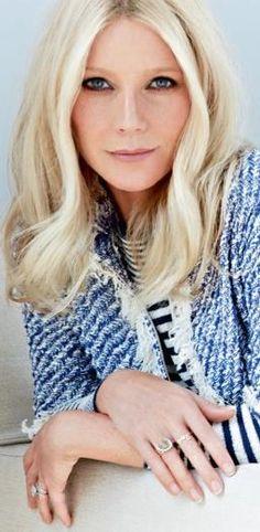 Gwyneth Paltrow - Blonde with a smokey eye.