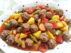 Sebzeli Sulu Köfte - Nefis Yemek Tarifleri - - Comidas fáciles - Las recetas más prácticas y fáciles Yummy Recipes, Dog Food Recipes, Dinner Recipes, Cooking Recipes, Yummy Food, Iftar, Meatloaf Recipes, Meatball Recipes, Turkish Recipes