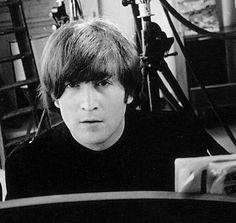 John Lennon what a great musican... Wish he were still alive