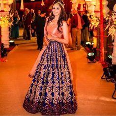 Such a beautiful outfit!! ❤️Dm or WhatsApp on 07966594600 to order #asian #asianfashion #asianclothes #readymade #pakistanfashion #shalwarkameez #party #like4like #likeforlike #followforfollow #followme #follow #f4f #indian #boutique #wedding #pakistaniwedding #pakistanibride #pakistaniwear #pakistanidress #pakistanifashion #indianwedding #bengaliwedding #nomiansari #alixeeshan #hudabeauty #houseofzargham