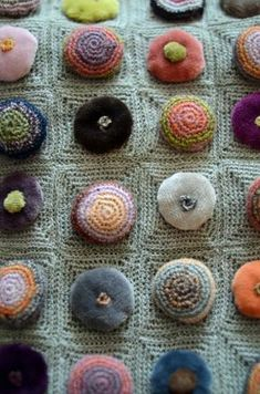 Detail, knit textile (2013) by Parisian knit wear designer Sophie Digard. via la maglia di Marica