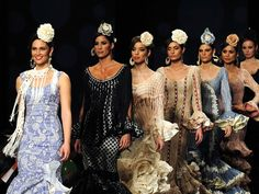 Creaties van Carmen Vega op de Internationale Flamenco Modeshow in Sevilla.