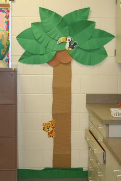 Palm tree for Maggies Jungle classroom.