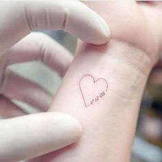 Tiny Tattoos For Girls, Cute Tattoos For Women, Cool Small Tattoos, Tattoos For Daughters, Little Tattoos, Mini Tattoos, Baby Tattoos, Friend Tattoos, Body Art Tattoos
