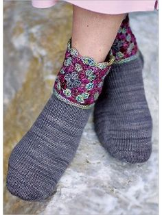 Granddaughter Socks | InterweaveStore.com ༺✿ƬⱤღ  https://www.pinterest.com/teretegui/✿༻