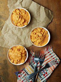 Roasted Red Pepper Mac & Cheese | 25 Vegan Recipes For Super Bowl Sunday