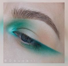 Teal eye look