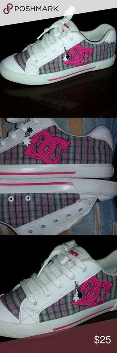 DC 7.5W Skate Shoes Plaid Pink White Blue SUPER CUTE. I put one lace in this shoe to take pictures. They will need new white laces. Otherwise GREAT condition. No serious damage. DC Shoe Co. Shoes Sneakers