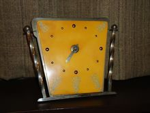 Vintage clock collectors