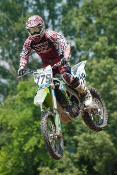 I love watching motorcross. Please check out my website thanks. www.photopix.co.nz
