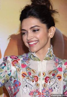 Deepika Padukone's beautiful smile is captured in this candid photograph. via Voompla.com