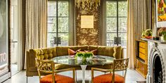 In This Boston Townhouse, Victorian Elegance Meets Neo-Deco Splendor Why the New York Outpost of Fotografiska Is the Future of Museums - Introspective Atlanta Condo, Traditional Dining Rooms, White Laminate, Outdoor Furniture Sets, Outdoor Decor, Of Wallpaper, Townhouse, Home Goods, Boston