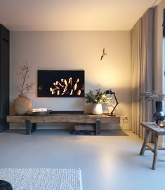 Oud hout | tv meubel hout | spoorbielzen meubel Home Room Design, Interior Design Living Room, Living Room Designs, House Design, Living Room Tv, Home And Living, Family Room, House Styles, Home Decor