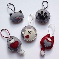 Diy Crafts - -felt fabric crafts fabriccrafts DIY Japanese Folk Art Mobile Strap Fabric kit Can make 4 kitten --- Japanese Craft Kit (Just use gl Felt Crafts Diy, Fabric Crafts, Sewing Crafts, Christmas Crafts, Felt Christmas Decorations, Felt Christmas Ornaments, Felt Embroidery, Felt Applique, Felt Patterns