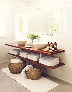 interior design bathroom: modern bathroom with wood vanity shelves, round basins, straw storage baskets, towel storage (dja) Natural Bathroom, Simple Bathroom, Family Bathroom, Decor Interior Design, Interior Decorating, Ideas Baños, Decor Ideas, Small Bathroom Vanities, Bathroom Shelves