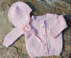 Hand made knitted set for a baby girl, month size. Pink set with teddy bear buttons & white Pom-Pom hat Knitting For Kids, Baby Knitting Patterns, Baby Patterns, Baby Cardigan, Baby Barn, Crochet Baby Clothes, May Flowers, Baby Shirts, Drops Design