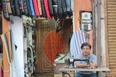 Indien an der Nähmaschine von Rashid.