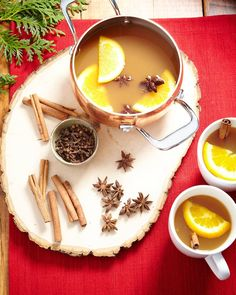 This Christmas time Mulled Tea is my drink of choice during the holiday season! | Hello Yellow