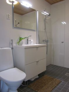 The Sleek and Stylish Wet Rooms for a Trendy Look! Bathroom Design Small, Simple Bathroom, Toilet Plan, Multiple Shower Heads, Laundry Room Bathroom, Shower Screen, Wet Rooms, Beautiful Bathrooms, Shower Tub