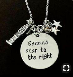 Oh my god! Disney Necklace, Disney Jewelry, Cute Jewelry, Beaded Jewelry, Peter Pan Wedding, Jm Barrie, Disney Day, Mein Style, Never Grow Up