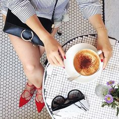 Where's your favorite coffee shop? Comment below. #coffeenclothes  #☕️ @daisyo_