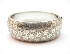 c.1890 ANTIQUE VICTORIAN AMERICAN SOLID SILVER ENGRAVED CUFF BANGLE BRACELET