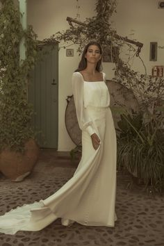 Wedding Dresses dazzling to super amazing gown information. A wide selection of … Wedding Dresses dazzling to super amazing gown information. A wide selection of notes. simple elegant wedding dress vintage id 2427884630 pinned on this day 20190509 Wedding Dresses Plus Size, Modest Wedding Dresses, Colored Wedding Dresses, Boho Wedding Dress, Designer Wedding Dresses, Bridal Dresses, Backless Wedding, Tulle Wedding, Wedding Gowns
