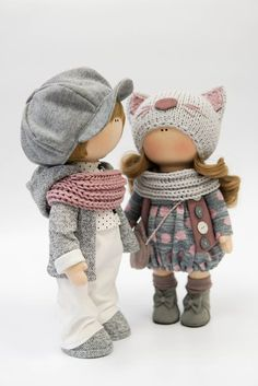 Simple Fabric Crafts You Can Make From Scraps - Diy Crafts Yarn Dolls, Knitted Dolls, Fabric Dolls, Lol Dolls, Cute Dolls, Doll Clothes Patterns, Doll Patterns, Child Doll, Waldorf Dolls