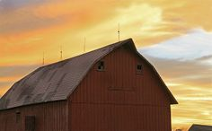 old red Barn at sunset Hilldale Illinois