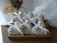 шитье и вязание для уюта в доме. подушки и валентинки (58) (640x480, 239Kb)