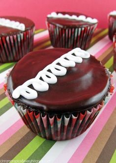 Easy Homemade Hostess Cupcakes--Use ganache recipe