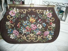 Vintage Handtaschen - Antike Gobelin Handtasche * Vintage * - ein Designerstück von wohnen-und-mehr bei DaWanda