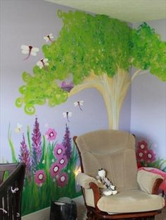 Love this mural in a baby girl's nursery!