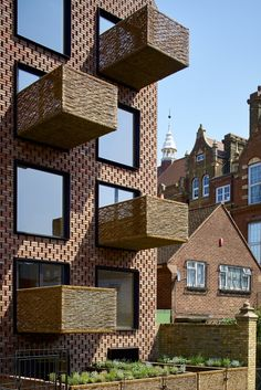 Barretts Grove Apartment Building in London / Groupwork and Amin Taha