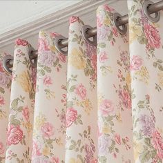 High End Floral Pink Shabby Chic Curtain For Bedroom. Beautiful pink floral pattern on thick polyester fabric is suit for bedroom hanging, matching with good print craft. Shabby Chic Fabric, Shabby Chic Curtains, Shabby Chic Pink, Shabby Chic Bedrooms, Shabby Chic Homes, Shabby Chic Furniture, Shabby Chic Decor, Traditional Curtains, Curtain Designs
