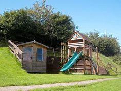 Gull Cottage (ref HBBZ) near Bideford is set in 14 acres of beautiful rolling countryside complete with an outside playhouse and climbing frame. Perfect to keep the toddlers busy in the great outdoors!