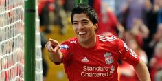 Luis Suarez Finally Reveals The Reason Why He Left Liverpool For Barcelona Soccer Fans, Soccer Players, Football Soccer, Liverpool Transfer, Premier League Highlights, Transfer Rumours, Sports Images, English Premier League, Liverpool Football Club