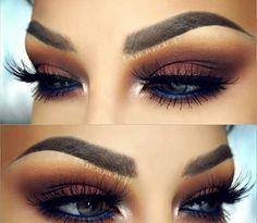 Eyeshadow w/Blue Liner