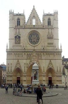 Renaissance, Street Art, Lyon France, Saint Jean, Amazing Places, Notre Dame, The Good Place, Travelling, Spaces