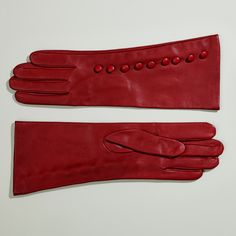 We have added to our collection these absolutely top quality retro gloves for summer or winter, pure silk or pure cashmere lining.