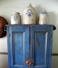 Antique Crocks, Old Crocks, Stoneware Crocks, Antique Stoneware, Primitive Colors, Primitive Decor, Prim Decor, Primitive Country, Country Decor
